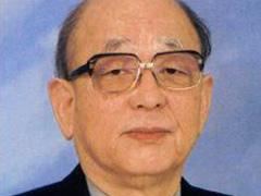 鈴木先生の在職当時の写真をさがしています。