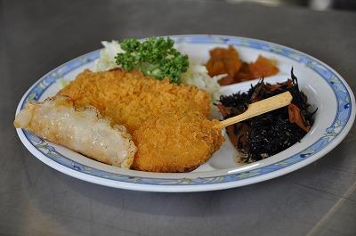 串カツに魚のフライ
