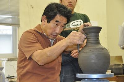 陶芸コースの講義風景について