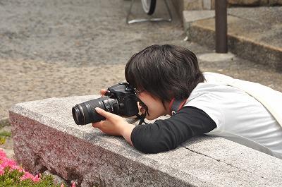 撮影する学生さん