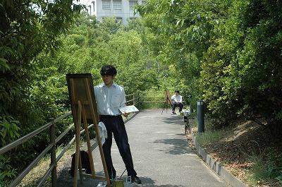 絵を描く男子高生