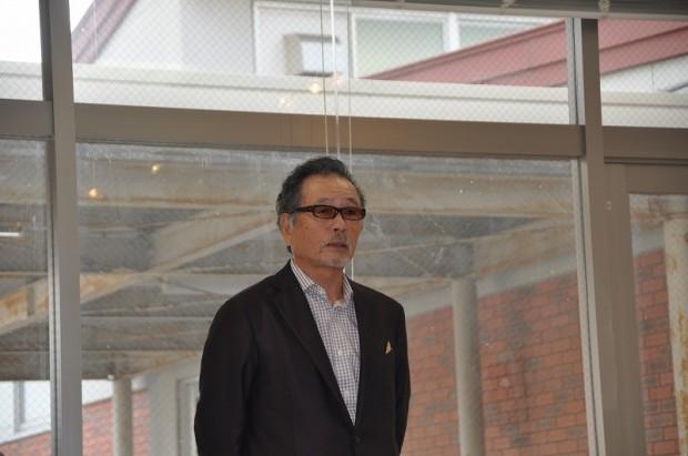 芸術学部客員教授 関口先生