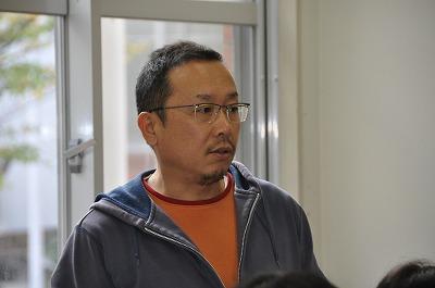ガラスコース技術指導員の迫田さん
