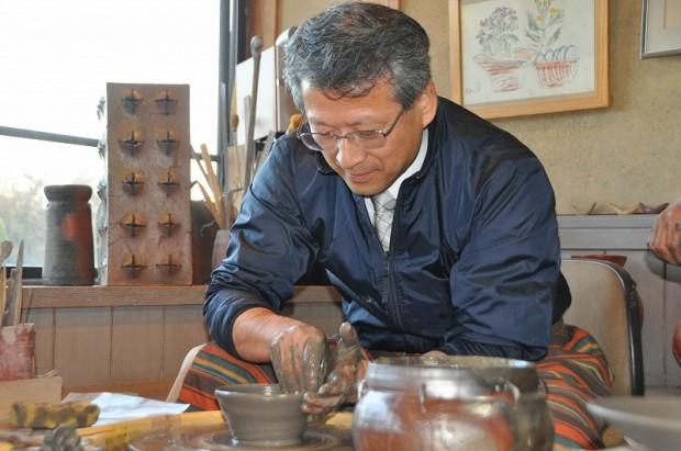 奥本先生も陶芸体験