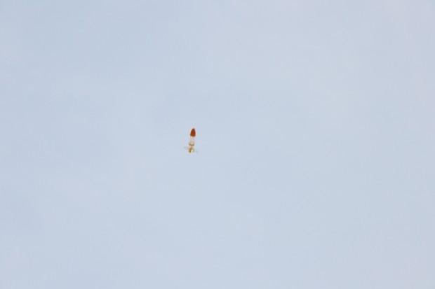 打ち上げられたペットボトルロケット