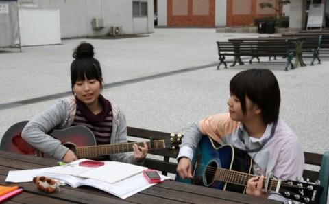 学内に響く素敵な歌声♪