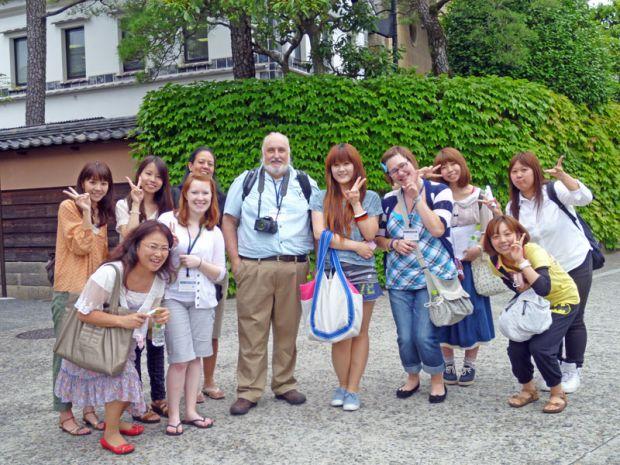 倉敷美観地区で集合写真