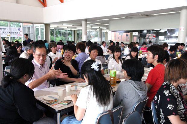 多くの学生さんが参加した新入生歓迎&親睦会