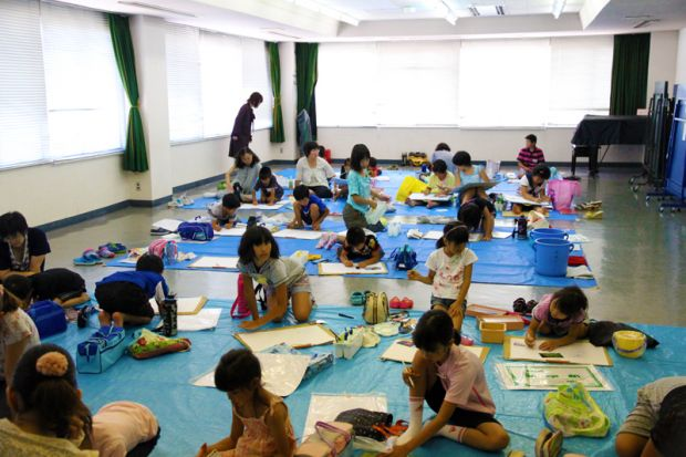 小学生絵画教室の様子