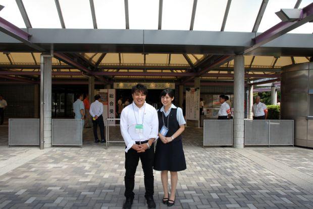 教育研究支援センター伏見さんと倉敷小町の出宮寛子さん