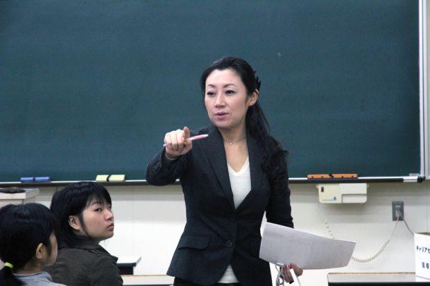 西岡亜矢子氏
