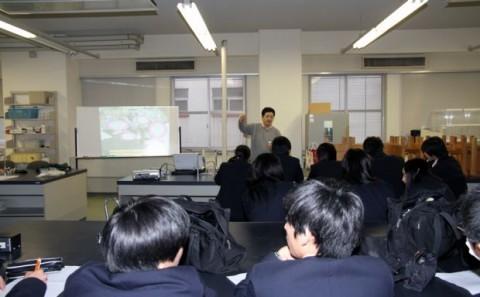 岡山理科大学附属高等学校の学内見学について