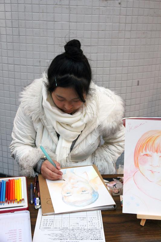 色鉛筆で似顔絵