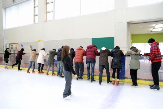 氷の上を歩く練習