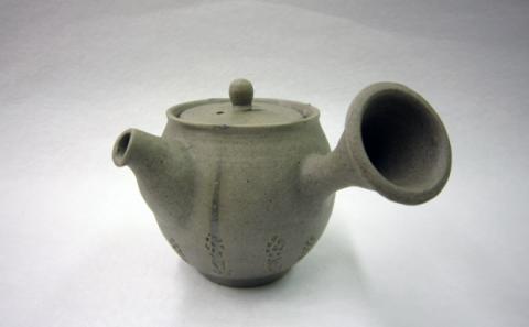 芸術学部4年高橋さん第27回日本煎茶工芸展入選