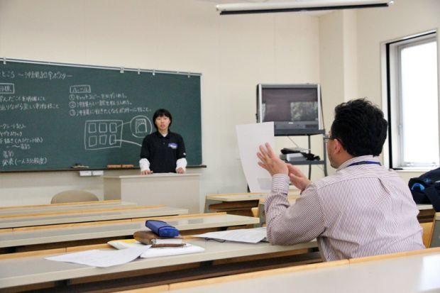アドバイスをする田丸稔先生