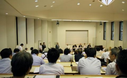 平成25年度第1回FD・SD研修会が開催されました。
