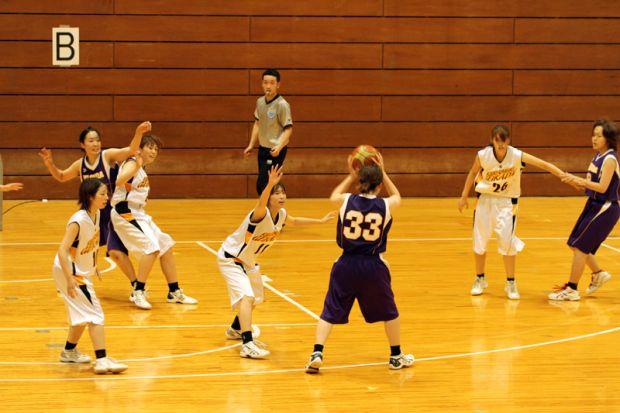 女子バスケットボール部(白ユニフォーム)