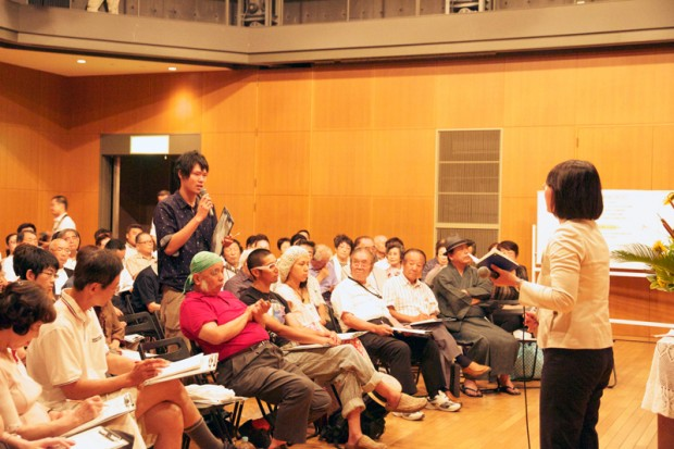 倉敷市観光PR戦略について自身の考えを述べている尾楠弘樹さん