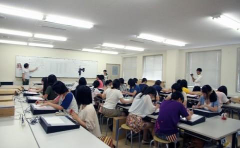 京都精華女子高等学校の学内実習について