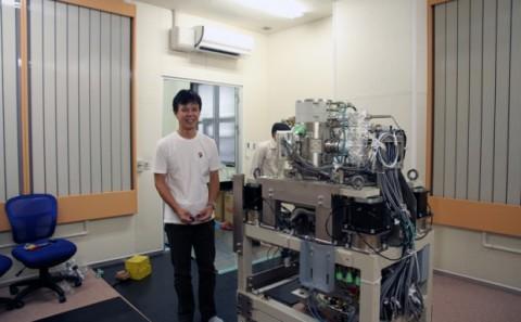 西日本初の電子顕微鏡が設置されました。