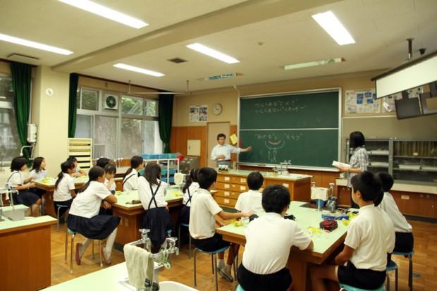 倉敷市立連島西浦小学校での出張講義