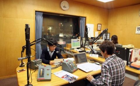 明日の学園祭のPRでラジオ出演。