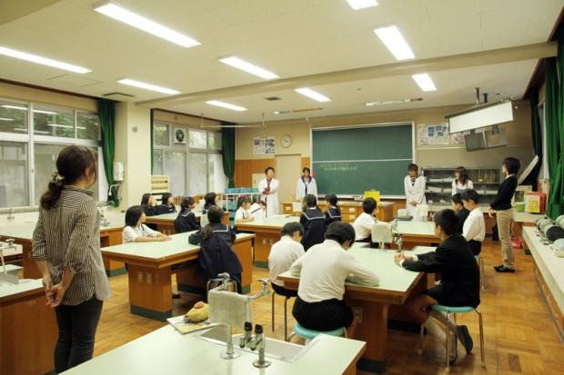 倉敷市立連島西浦小学校への出張講義