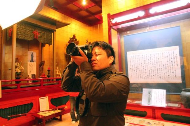撮影する大井康平さん