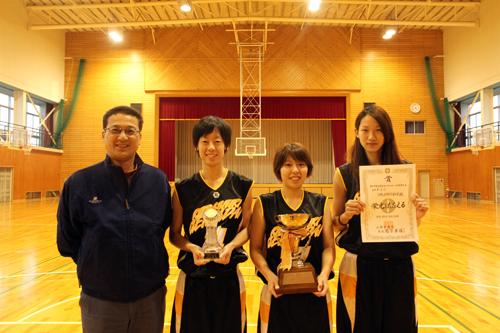 女子バスケットボール部トロフィー