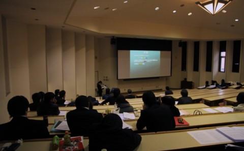 健康科学科卒業研究発表会開催中。