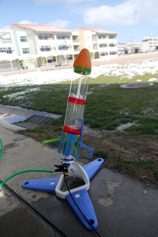 発射台のペットボトルロケット