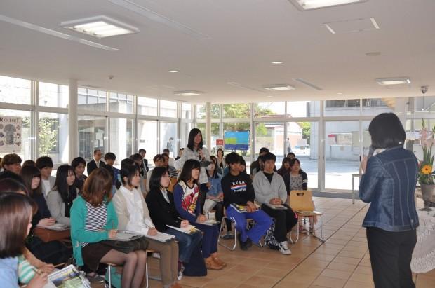 学生から伊東香織倉敷市長への質問