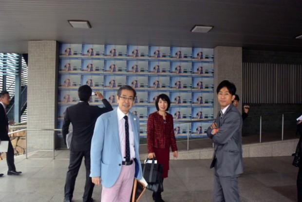 児島隗太郎先生(左)、加計悟先生(右)、松岡智子先生(中央)