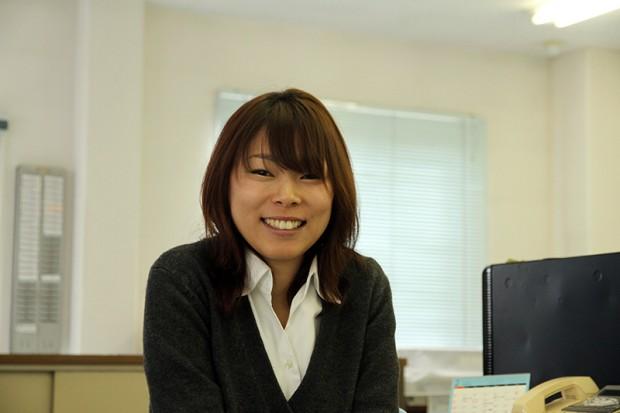 望月祐香さん(2013年度芸術学部デザイン学科卒業)