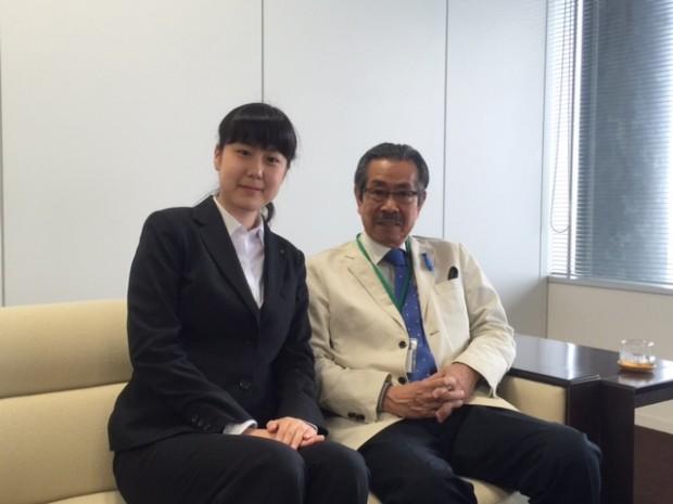 児島副学長と濱根さん