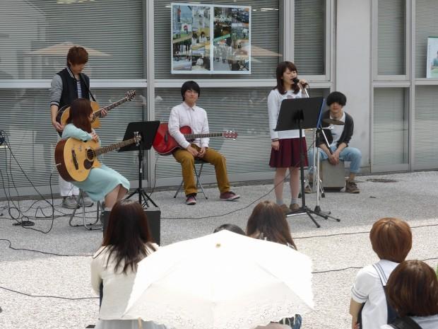 アコースティックギター部ライブと観客