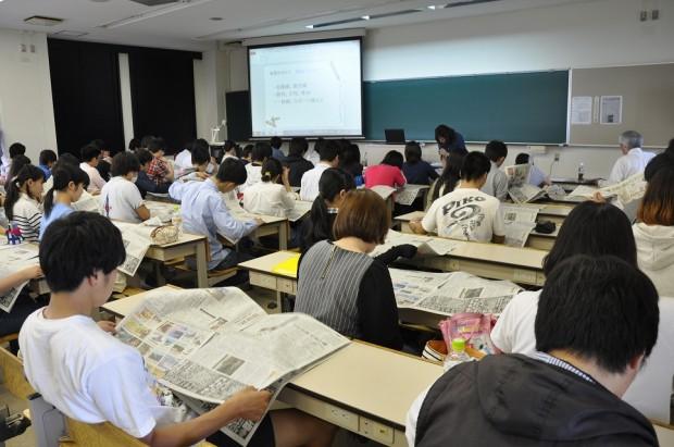 メディアリテラシーについて授業風景