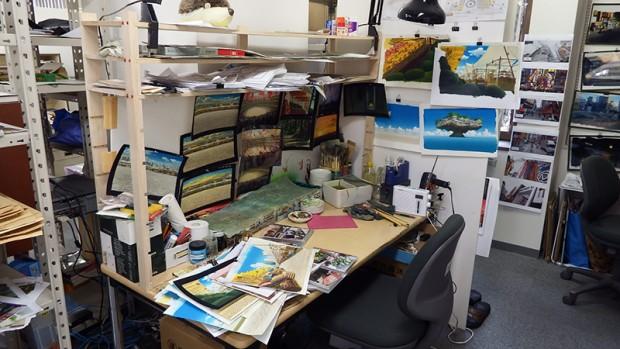 スタジオ地図の美術制作デスクその1
