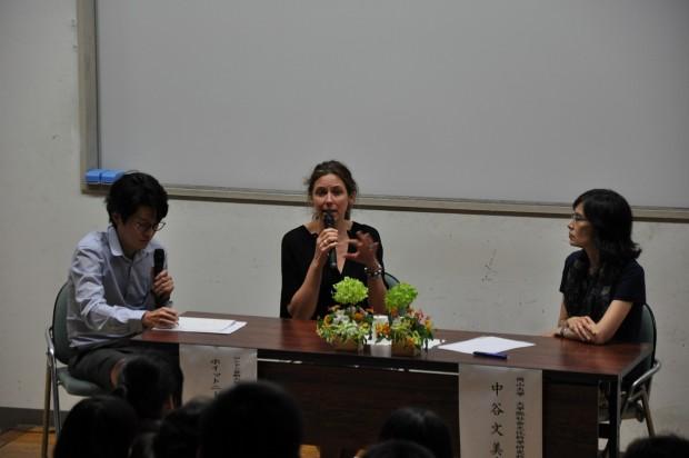 ホイットニー・マクヴェイ氏と中谷文美教授