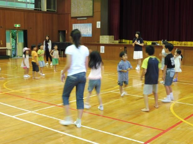 体育館でのボランティア活動