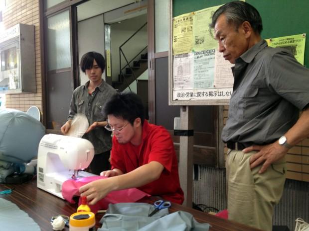 たまべえバルーンをデジタルミシンで縫う