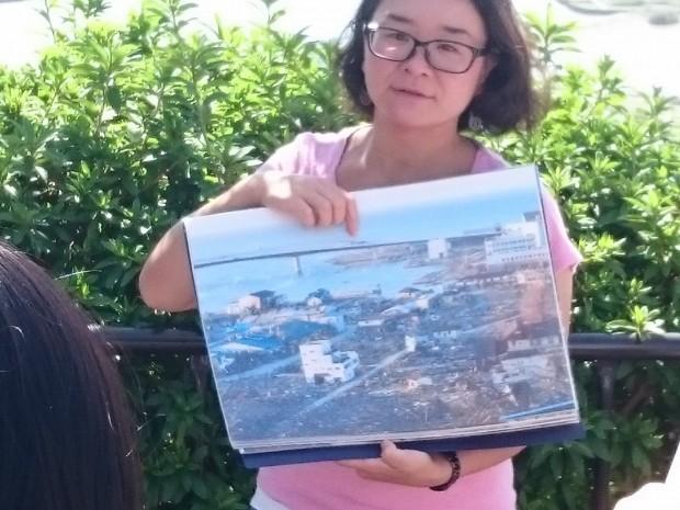 東日本大震災直後の様子を説明