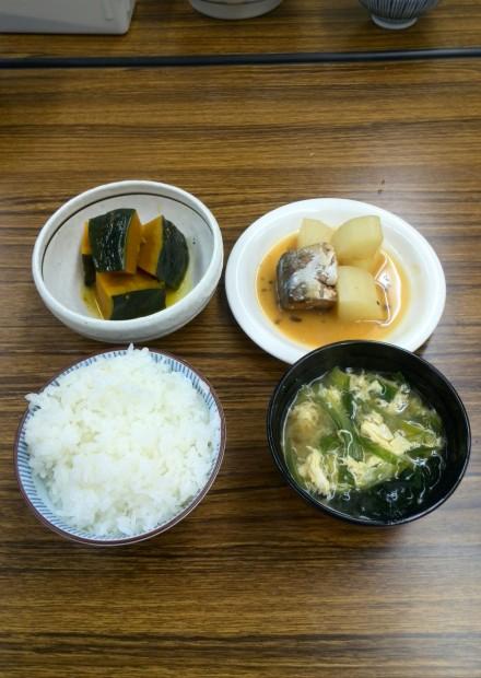缶詰と常備野菜を使った料理