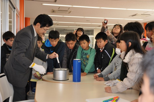 液体窒素の実験