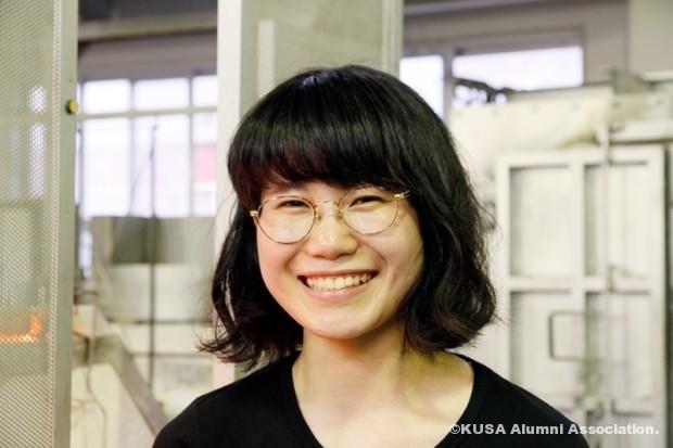 笑顔の藤定杏彩さん