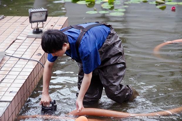 水質管理作業中
