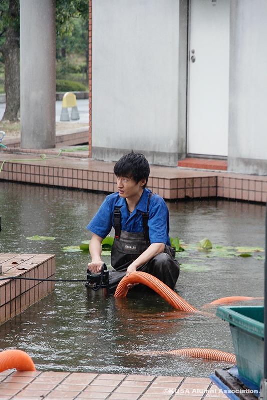 水質管理をする山尾さん