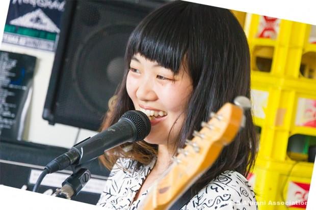 山本早希さん(ボーカル兼ギター)