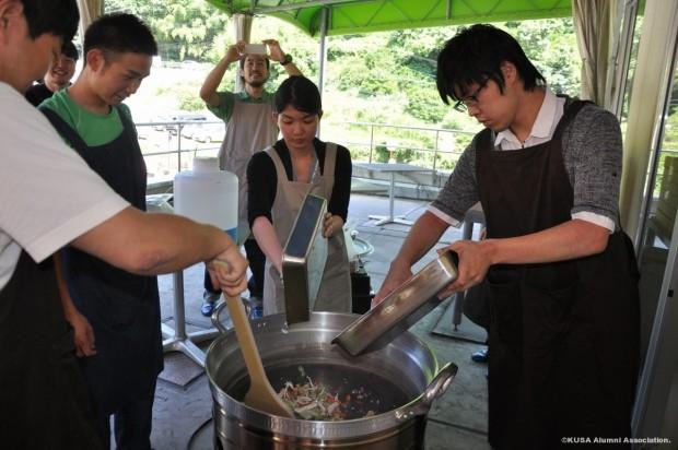 野外調理用大鍋で試作